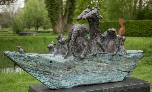 """Hortus Haren (NL), bronze sculpture titled """"Ark"""""""