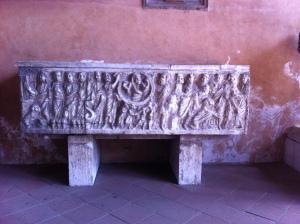 San Lorenzo fuori le Mura, sarcophagus