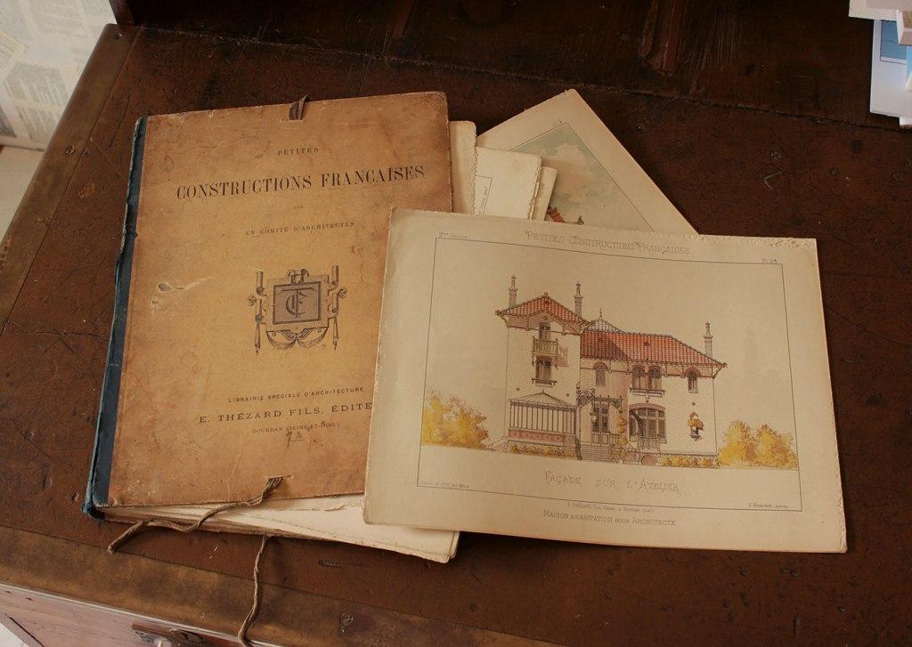 Portfolio cover and architect's house (Maison pour architecte) from the portfolio 'Petites Constructions Françaises' (ca. 1893).