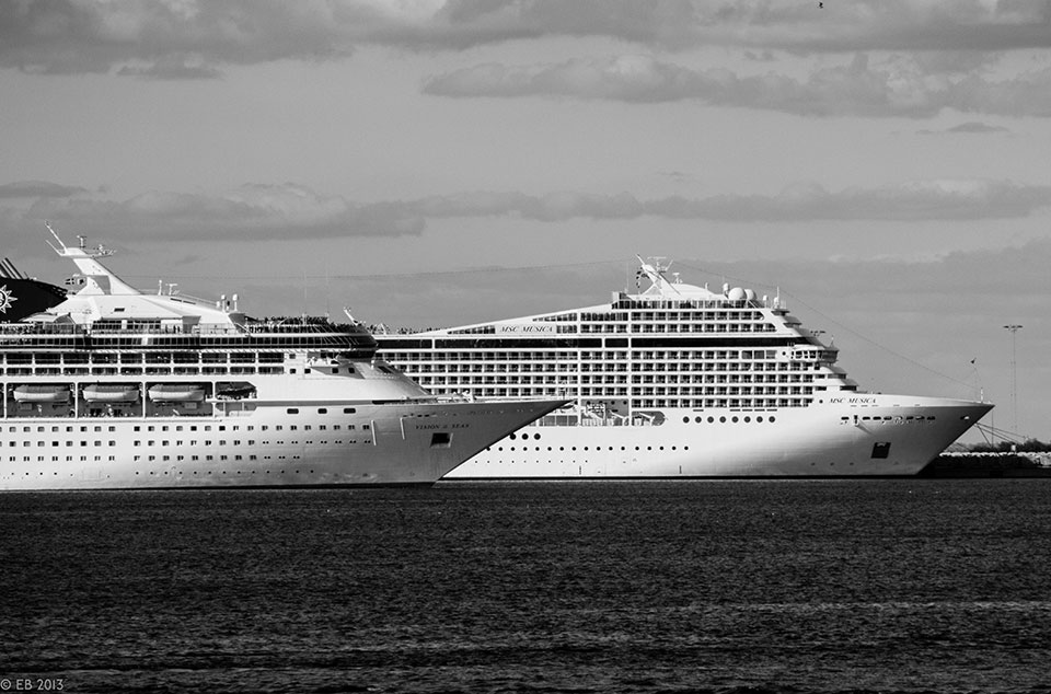 Copenhagen, close harmony. Photo © Eelco Bruinsma 2015. Cruis ships in Copenhagen harbor.